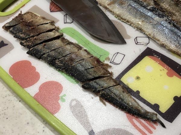アキアジ(鮭)釣り用 爆釣サンマ餌の作り方005