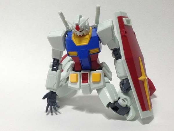 HGUC RX-78-2 REVIVE 膝立ち