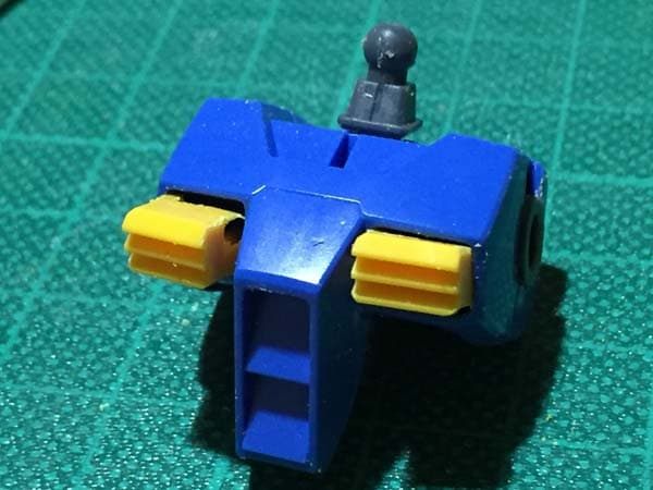 REVIVE HGUC RX-78-2 ガンダム製作写真 胸ダクト後ハメ02