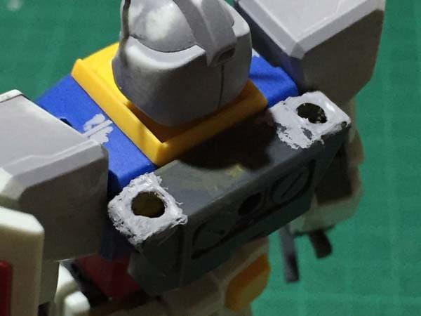 REVIVE HGUC RX-78-2 ガンダム製作写真 サーベルラック整形01