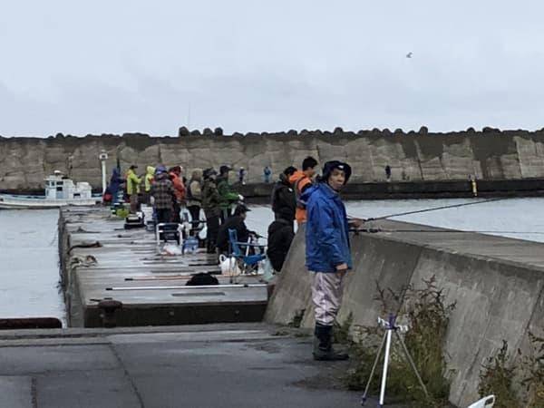 常呂漁港で銀ピカアキアジのメス70cmオーバーゲット002