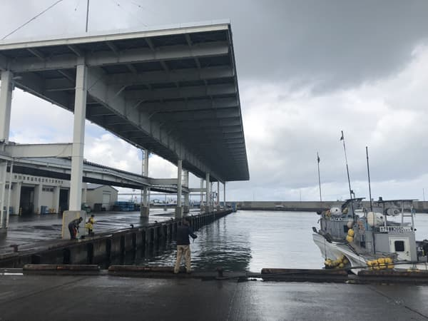常呂漁港で銀ピカアキアジのメス70cmオーバーゲット006